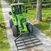 Bodenebner zur Vorbereitung der Felder / hydraulisch