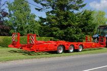 Platte-Anhänger / 3-Achsen / Baumaschinentransporter