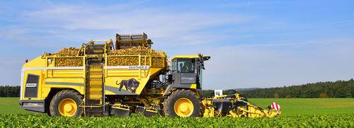 Harvester für Rüben / mit Eigenantrieb / mehrreihig / Entblätterer Panther 2 ROPA Fahrzeug- und Maschinenbau GmbH