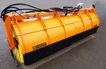 traktormontierte Kehrmaschine / für Straßen