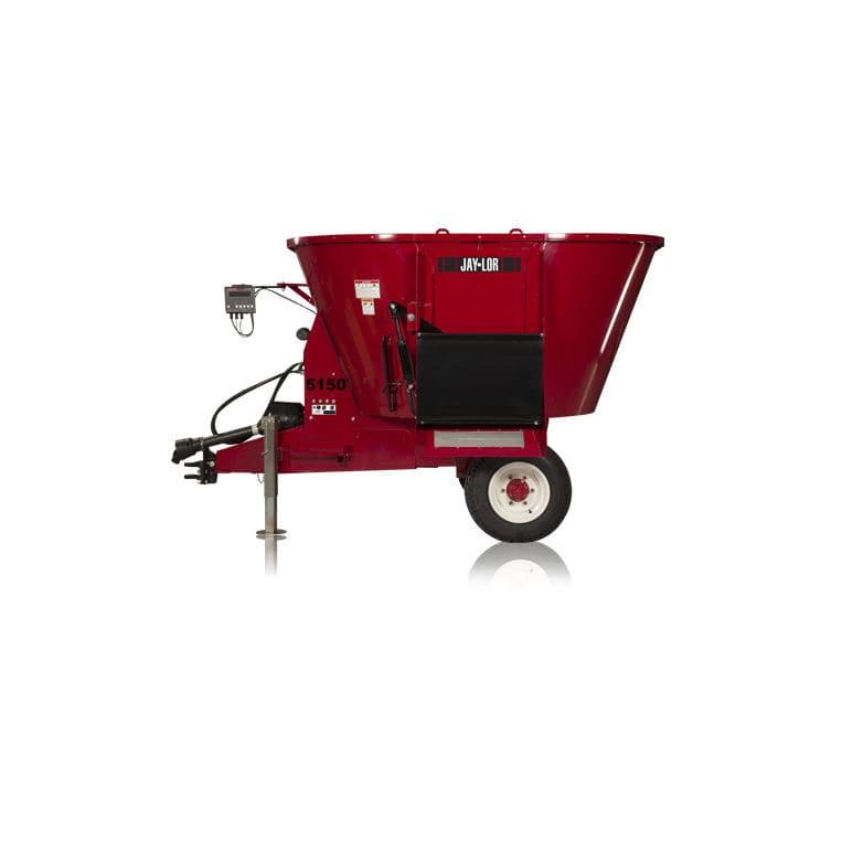 Vertical feed mixer / trailed / feeding / PTO-driven 5150 TMR Jaylor  Fabricating Inc