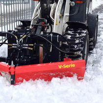V-shaped snow blade / with hydraulic adjustment
