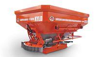 Tractor-mounted fertilizer applicator