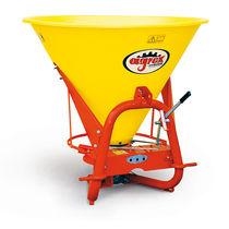 Tractor-mounted fertilizer applicator / centrifugal