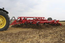 Semi-mounted stubble cultivator / with roller / spring tine / chisel