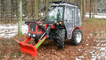 Narrow tractor / synchro-shift / compact / forestry