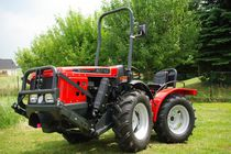 Narrow tractor / mechanical transmission / with ROPS / arboriculture