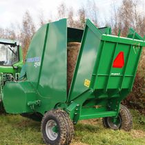 Semi-mounted straw blower / for round bales