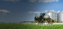 Self-propelled sprayer / high ground clearance / adjustable ground clearance
