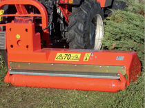 Rear-mount shredder / hammer / PTO-driven