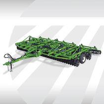 Trailed vertical tiller / offset
