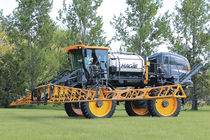 Self-propelled sprayer / folding arms / centrifugal