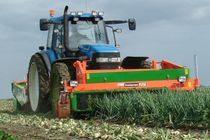 Onion harvester / tractor-mounted