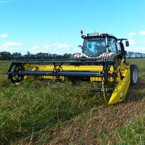 Grain harvesting header / rigid / swath / with gauge wheels