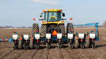 Trailed precision seed drill / rigid / strip-till / with fertilizer applicator