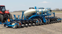 Trailed precision seed drill / folding / with fertilizer applicator