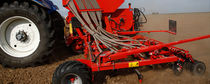 Pneumatic seed drill / tractor-mounted / tine