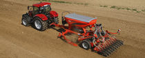 Pneumatic seed drill / trailed / tine