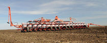 Precision seed drill with fertilizer applicator / trailed / folding / disc
