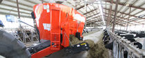 Vertical feed mixer / trailed / 2-auger