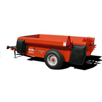 Trailed muck spreader / single-axle