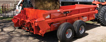 Trailed muck spreader / 2-axle