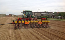 12-row precision seed drill / folding