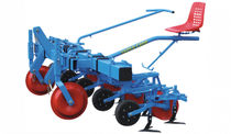Mounted row crop cultivator / fixed