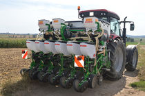Tractor-mounted precision seed drill / double-disc / with fertilizer applicator