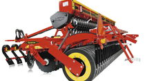 Pneumatic seed drill / trailed / with harrow / disc