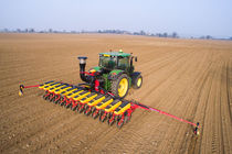 12-row precision seed drill / trailed