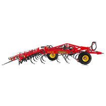 Trailed field cultivator / spring tine