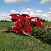 Fruit harvester / trailed / single-row