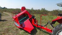 Saskatoon harvester / berry / trailed / single-row