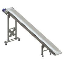 Feed conveyor / for fruit / belt / mobile