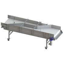 Feed conveyor / belt / mobile / flexible