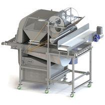 Fruit crop cleaning machine