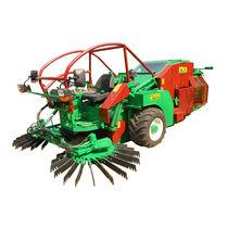 Fruit harvester / self-propelled / trailed
