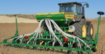Pneumatic seed drill / tine / folding / with harrow
