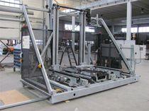 Greenhouse transport cart / wire mesh platform / rail-mounted