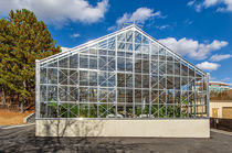 Even-span greenhouse / glass