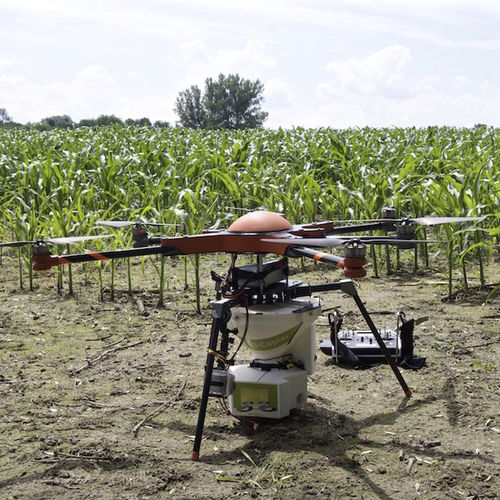 agricultural drone with propeller - agri-copter c/o DIALOGIS UG