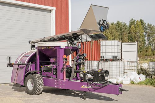grain mill / trailed / with bagger