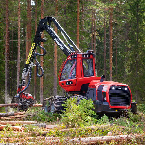 Forestry harvester with crane 911 Komatsu Forest AB