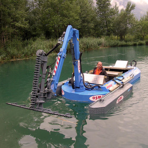 hydraulic mowing boat