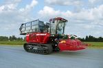 self-propelled forage harvester / tracked