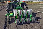 tractor-mounted precision seed drill / folding / with fertilizer applicator