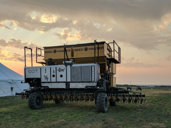Autonomous Ag Platform Live Demo With 100 Possible Implements