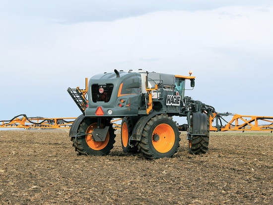 Hagie Updates Model Year 2018 Self-Propelled Sprayers