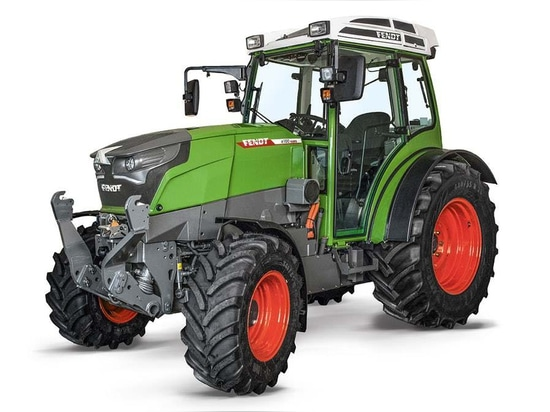 Fendt to launch e100 Vario battery-electric compact tractor in 2018